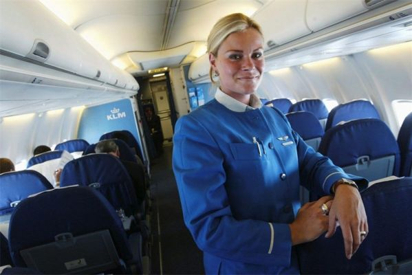 /KLMstewardess.jpg