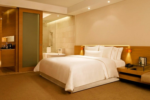 /westin-executive-club-rooms-500x500.jpg